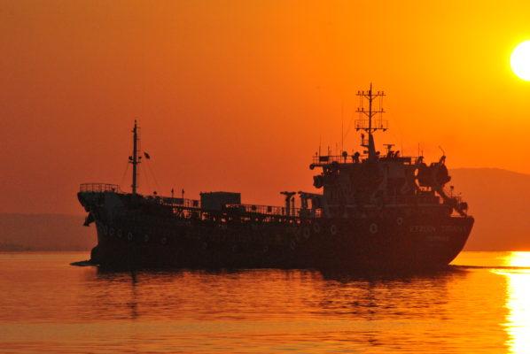 Οι συνεργάτες της Navios αγοράζουν το ζεύγος Panamax
