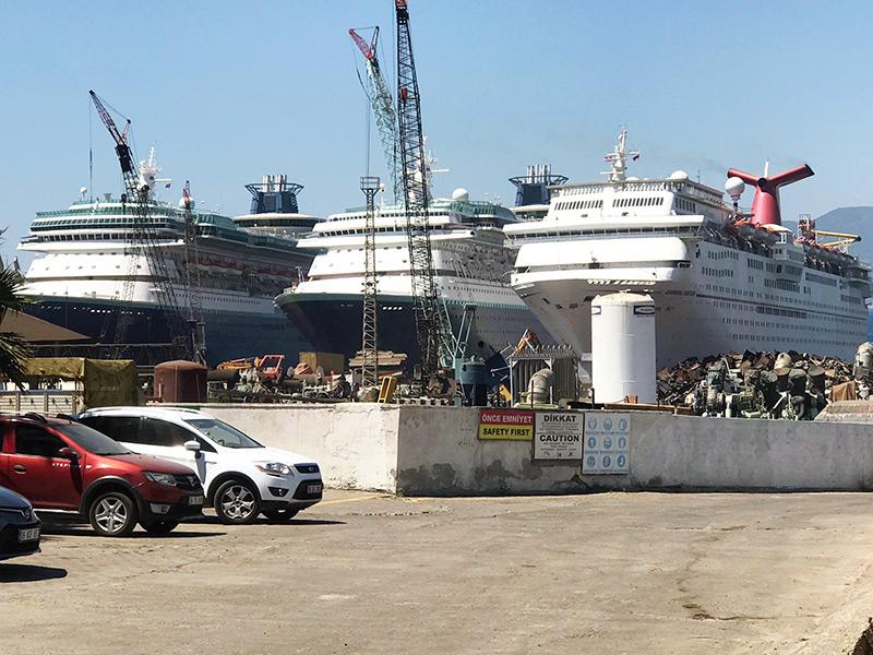 Cruises ships scrap